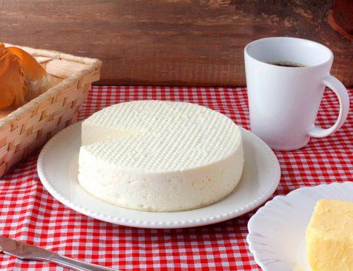 7 Benefícios do Queijo Frescal na rotina alimentar
